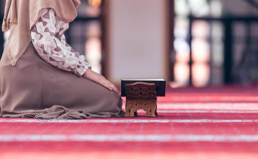 هل يجوز للحائض قراءة القرآن في رمضان ؟