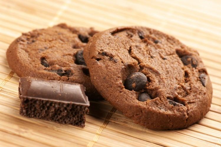 طريقة عمل كوكيز بالشوكولاته